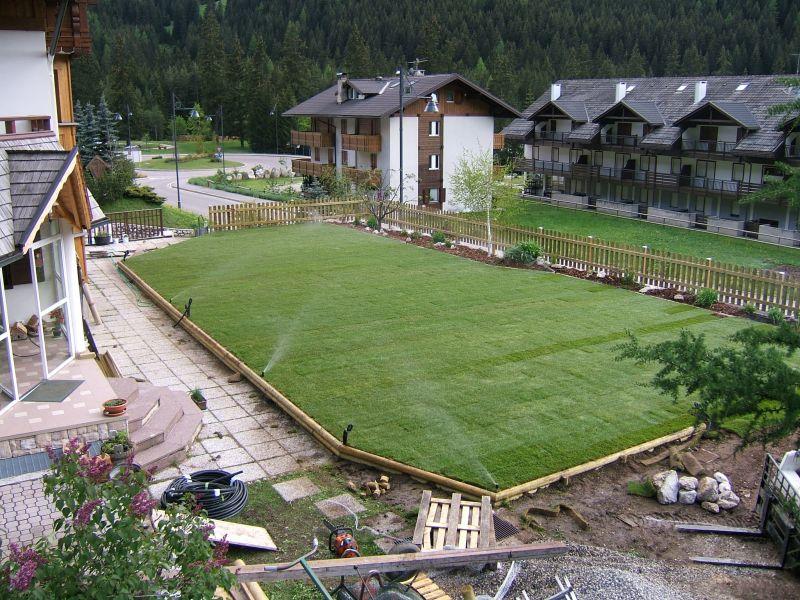 Best giardino pensile sopra garage with progetti giardini for Progetti di giardini privati